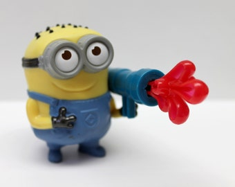 Despicable Me minion action figurine, action toy, minion,goo thrower,cake topper,surprise bag,party favor,
