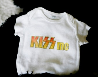 SALE KISS Me Baby Bodysuit (sizes newborn to 24 months)