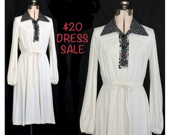 SALE! Vintage 70s Boho White Wild Spirit Dress