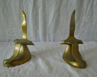 Modernist Brass Seagull Sculptures/Vintage 1960s 1970s/Pair of Soaring Sea Gulls In Mirror Formation