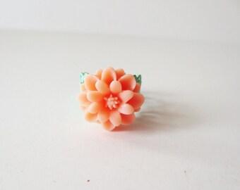 Peach flower ring. Filigree ring. Green ring. Coral flower ring. Ballet pink flower. Flower jewelry. Mint green ring. Peach mum ring.