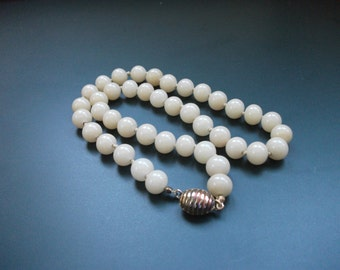 Vintage Les Bernard Heavy Hand Tied Marble Beaded Choker Necklace