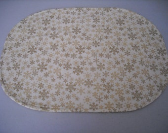 Gold snowflakes placemat