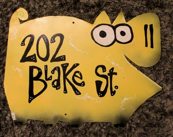 Yellow Pig Address Sign: Custom Animal Address Plaque