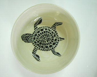 Hawaiian Honu Bowl Black and White stoneware