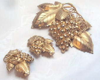 Hard to Find Gold Plated Large Napier Danish Grape Pin Brooch Set - Book Piece