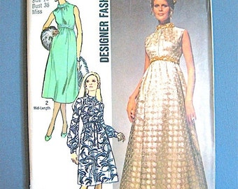 ON SALE Vintage 1960s Simplicity 9118 sewing pattern.  Bust 36 inches