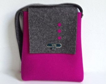 Shoulderbag in Black and Fuchsia Felt, purse in purple and black felt, handbag in pink and black