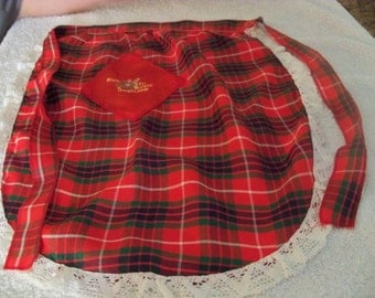 2 vintage mother daughter matching  TARTAN  aprons