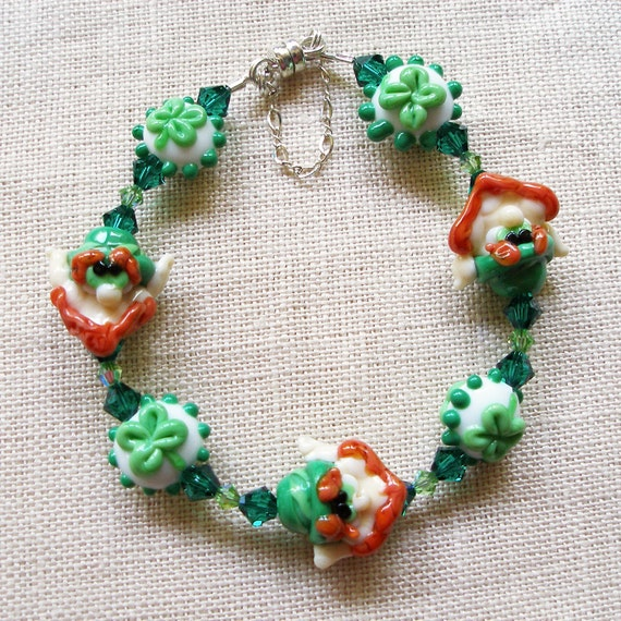 Leprechaun Bracelet, St. Patrick's Day Shamrock Luck o' the Irish in Beautiful Green Lampwork