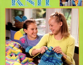 Cool Stuff Teach Me To Knit Learn How to Make Do Beginner Knitting Directions and Projects Craft Pattern Leaflet Leisure Arts 3322