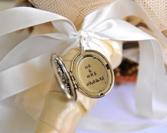 Bouquet Locket, Wedding Date Locket, Mr & Mrs Locket, Bouquet Decoration, Wedding Inspiration, Gift For Bride, Personalized Wedding