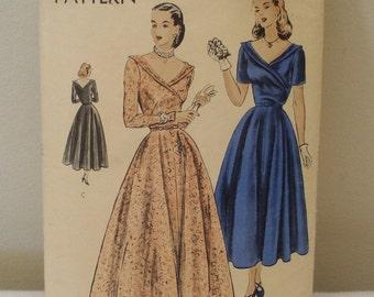Vintage 6211 Vogue Sewing Pattern Dress Size 12