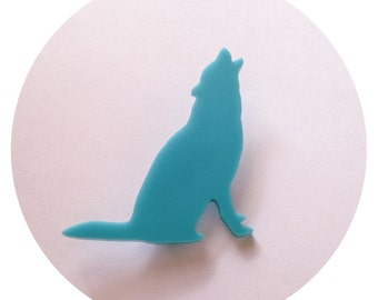 Animal Brooch Pin - Wolf Pin - Southwestern Boho Chic - Medium Size in Turquoise Blue