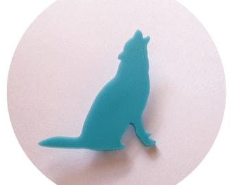 Animal Brooch Pin - Wolf Pin - Southwestern Boho Chic - Medium Size in Turquoise Blue