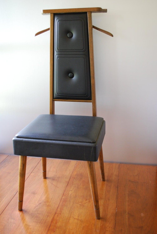 Vintage Mens Valet Butler Dressing Chair Solid Wood Medium