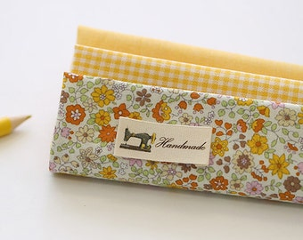 Lovely Yellow Daisy on Cotton FAT Eighth set of 3, U271