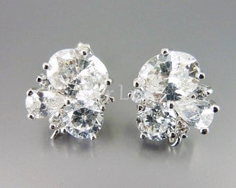 2 sparkling CZ cubic zirconia cluster crystal earrings, wedding bridal earrings jewelry supplies findings 1452-BR (bright silver, 2 pieces)