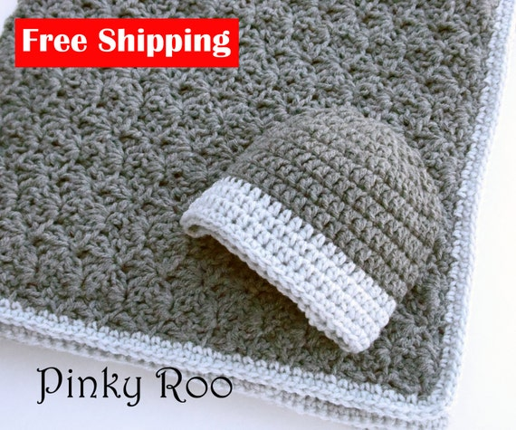 Crochet baby blanket and hat / Crib size baby blanket by PinkyRoo