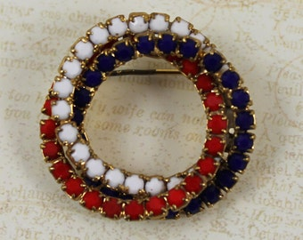 Vintage Patriotic Ruby Red, Sapphire Blue and White Rhinestone Gold Oval Brooch