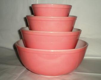 Pink Pyrex Nesting Mixing Bowls - Set of Four - 1960's