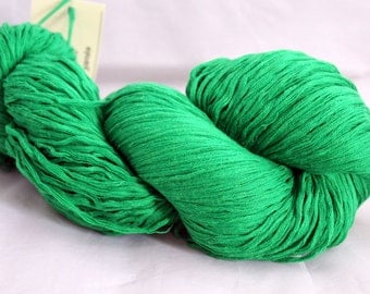 30% off STORE CLOSING SALE Kelly Green Reclaimed Cotton Yarn, Worsted Weight Yarn - 320 Yards