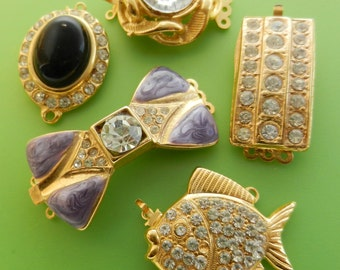 Lovely  mix Vtg clasps for jewelry,5 pieces from 1960s ideals delightful trinkets and rare for restoration or new chic creations--Art.687 -