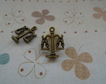 20pcs 23mmx18mm Balance Antique Bronze Retro Pendant Charm For Jewelry Pendant