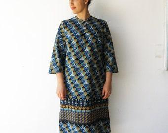 Vintage Robe Dress / 70s Novelty Dress / Size L XL