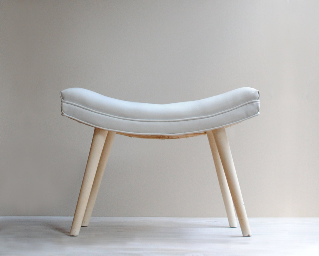 Vintage Tufted Ottoman Bench In White