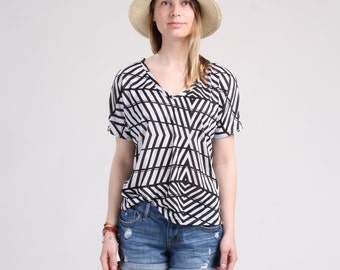 Short Sleeve V Neck Relaxing T-Shirt, Loose Summer Top, Graphic Jersey T-Shirt, Dolman Sleeve Top, Oversized T-Shirt