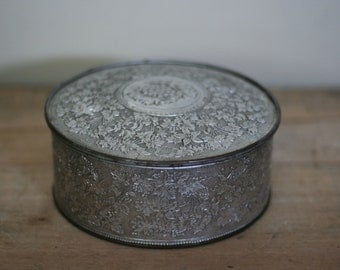 vintage silver embossed metal tin guildcraft NY