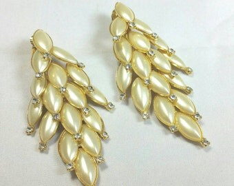 Fantastic Faux Pearl & Clear Rhinestone Clip Earrings Unsigned
