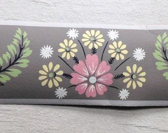 SALE- Pretty Taupe Vintage Trimz Wallpaper Border by Meyercord