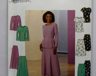 Simplicity 8401, Misses' Top, Skirt and Pants Pattern, Sewing Pattern, Misses'/Misses' Petite Size 8, 10, 12, Uncut