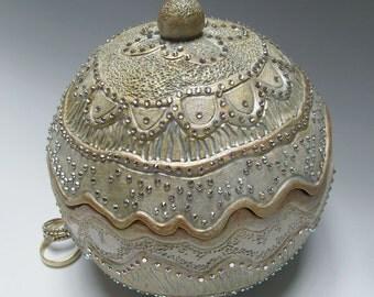 Customized Sparkling Wedding Ring Box