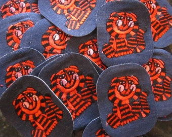 10 vintage patches - TIGER - denim patches, retro patches, old stock
