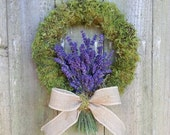 Small moss wreath with dried lavender