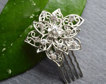 Small Bridal Hair Comb, Wedding Hair comb,Filigree flower,Wedding Hair Accessories,Crystal comb, rhinestone comb, Bridal Crystal hair comb,