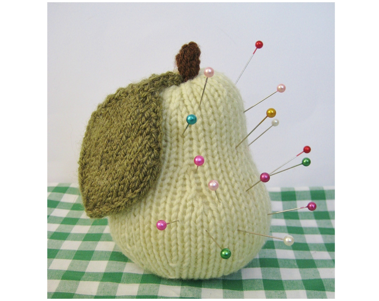 Knitted Apple Pattern : Apple & Pear toy knitting patterns by fluffandfuzz on Etsy