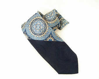 Vintage 1970s Man's Necktie Blue Bottom Silver Gray Filigree Crest Men's Tie