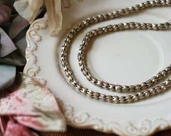 8pcs of Thai manual pressure silver lace beads