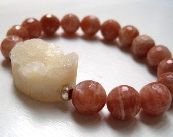Druzy Stacking Bracelet / Creamy Quartz Druzy / Sunstone Gemstone / Natural Stone Beadwork Bracelet / Boho Luxe / Bohemian Jewelry