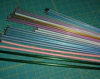 Vintage Knitting Needles Lot 13 Pair Aluminum & Some Plastic Sizing 1 to 11  (B)