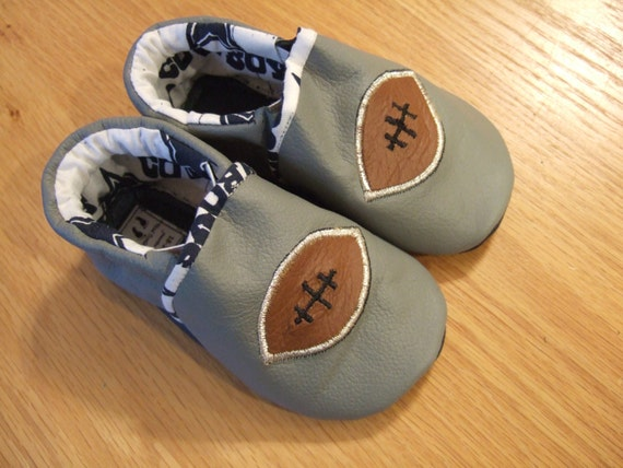 Dallas Cowboys baby boy football shoes size 6 18 24 months