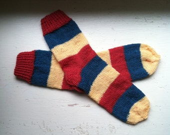 Hand Knit Soft And Warm  Women's Pure Wool Striped Socks, Size  8  - 8.5  (9.5 inches length)