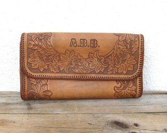 Vintage Tooled Tan Medium Leather Clutch