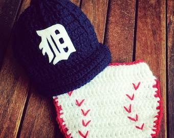 Newborn baby Detroit Tigers cap and diaper cover set