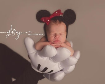 Minnie Mouse hat, Mickey Mouse hat, Minnie Mouse ears, Mickey Mouse ears, photo prop, newborn photo prop, Mickey Mouse outfit, baby hat,
