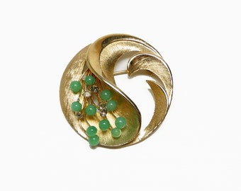 Round Floral Brooch - Brushed Goldtone with Green Beads - Vintage 60's Era Pin